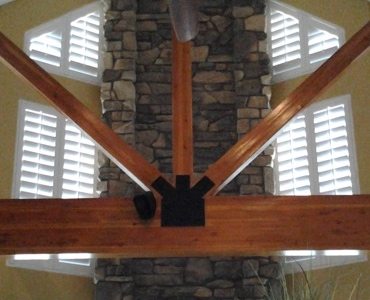 Destin angled window