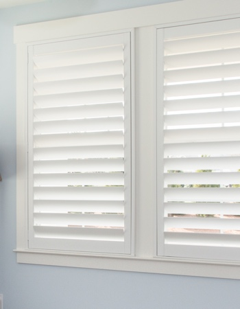 Plantation shutters with hidden tilt rods in Destin