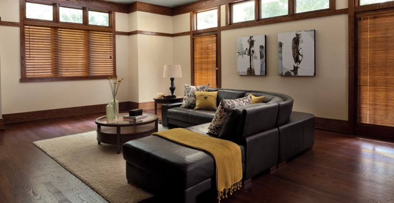 Destin hardwood floor and blinds